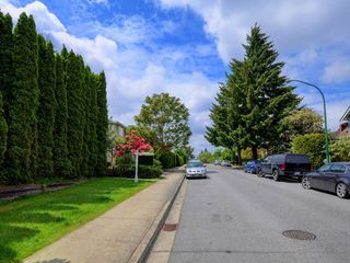 Photo 6: 4060 ETON Street in Burnaby: Vancouver Heights House for sale (Burnaby North)  : MLS®# R2171929