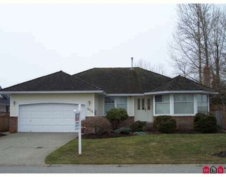 Photo 1: 6215 186TH Street in Cloverdale: Home for sale : MLS®# F2903374