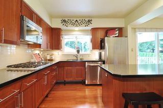 Photo 7: 849 THERMAL Drive in Coquitlam: Chineside House for sale : MLS®# R2209389