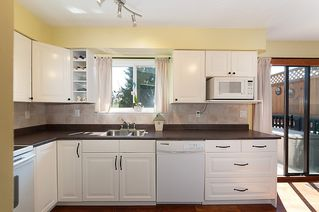 Photo 2: 1178 DEEP COVE Road in North Vancouver: Deep Cove Townhouse for sale : MLS®# R2210688
