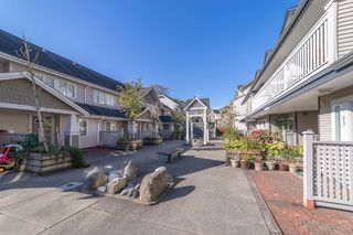 """Photo 2: 22 240 TENTH Street in New Westminster: Uptown NW Townhouse for sale in """"COBBLESTONE WALK"""" : MLS®# R2215044"""