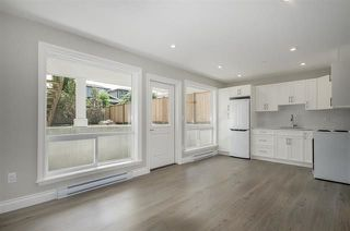 Photo 11: 15518 RUSSELL Avenue: White Rock House for sale (South Surrey White Rock)  : MLS®# R2218865