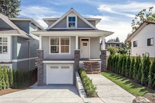Photo 2: 15518 RUSSELL Avenue: White Rock House for sale (South Surrey White Rock)  : MLS®# R2218865