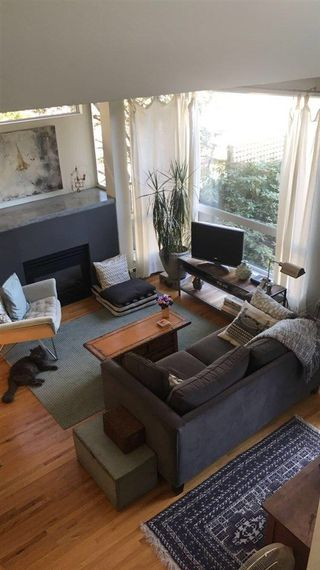 Photo 4: 1207 E 13TH Avenue in Vancouver: Mount Pleasant VE House 1/2 Duplex for sale (Vancouver East)  : MLS®# R2226233