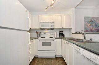 """Photo 11: 405 2525 QUEBEC Street in Vancouver: Mount Pleasant VE Condo for sale in """"CORNERSTONE"""" (Vancouver East)  : MLS®# R2230636"""
