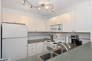 """Photo 10: 405 2525 QUEBEC Street in Vancouver: Mount Pleasant VE Condo for sale in """"CORNERSTONE"""" (Vancouver East)  : MLS®# R2230636"""