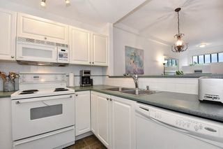"""Photo 12: 405 2525 QUEBEC Street in Vancouver: Mount Pleasant VE Condo for sale in """"CORNERSTONE"""" (Vancouver East)  : MLS®# R2230636"""