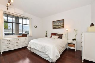 """Photo 13: 405 2525 QUEBEC Street in Vancouver: Mount Pleasant VE Condo for sale in """"CORNERSTONE"""" (Vancouver East)  : MLS®# R2230636"""