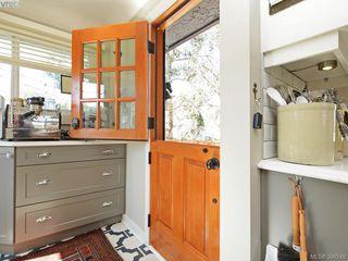 Photo 6: 2490 Dryfe Street in VICTORIA: OB Henderson Single Family Detached for sale (Oak Bay)  : MLS®# 390248
