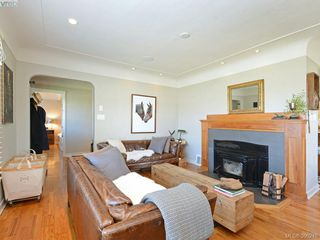 Photo 3: 2490 Dryfe Street in VICTORIA: OB Henderson Single Family Detached for sale (Oak Bay)  : MLS®# 390248