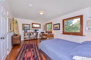 Photo 16: 439 Constance Avenue in VICTORIA: Es Saxe Point Single Family Detached for sale (Esquimalt)  : MLS®# 400470
