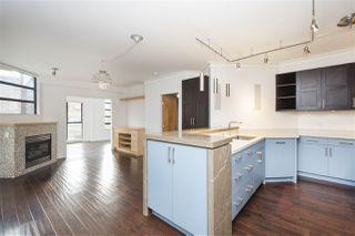 "Main Photo: 204 2228 MARSTRAND Avenue in Vancouver: Kitsilano Condo for sale in ""SOLO"" (Vancouver West)  : MLS®# R2327354"