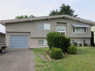 Photo 1: 10104 HYMAR Drive in Chilliwack: Fairfield Island House for sale : MLS®# R2331916