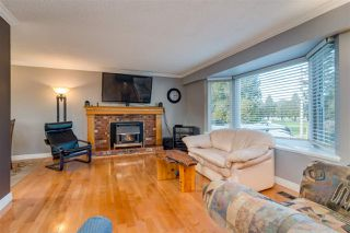 Photo 4: 21682 125 Avenue in Maple Ridge: West Central House for sale : MLS®# R2333100