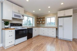 Photo 6: 193 Helmcken Rd in VICTORIA: VR View Royal Single Family Detached for sale (View Royal)  : MLS®# 812020