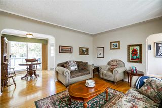 Photo 3: 4039 RUMBLE Street in Burnaby: Suncrest House for sale (Burnaby South)  : MLS®# R2368210