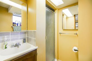 Photo 13: 4039 RUMBLE Street in Burnaby: Suncrest House for sale (Burnaby South)  : MLS®# R2368210