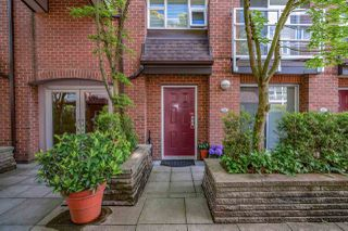 Photo 19: 203 2071 W 42ND Avenue in Vancouver: Kerrisdale Townhouse for sale (Vancouver West)  : MLS®# R2374063