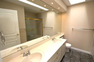 """Photo 8: 5 7600 BLUNDELL Road in Richmond: Broadmoor Townhouse for sale in """"SUNNYMEDE GARDENS"""" : MLS®# R2387880"""