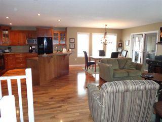 Photo 10: 5014 46 Street: Sedgewick House for sale : MLS®# E4170841