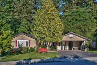 Photo 2: 881 BAKER Drive in Coquitlam: Chineside House for sale : MLS®# R2401952