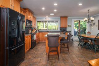 Photo 5: 881 BAKER Drive in Coquitlam: Chineside House for sale : MLS®# R2401952