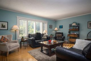 Photo 3: 881 BAKER Drive in Coquitlam: Chineside House for sale : MLS®# R2401952