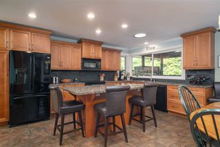 Photo 6: 881 BAKER Drive in Coquitlam: Chineside House for sale : MLS®# R2401952