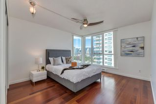 "Photo 13: 1501 120 MILROSS Avenue in Vancouver: Downtown VE Condo for sale in ""BRIGHTON"" (Vancouver East)  : MLS®# R2403473"