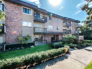 """Photo 17: 303 610 THIRD Avenue in New Westminster: Uptown NW Condo for sale in """"Jae Mar Court"""" : MLS®# R2410850"""