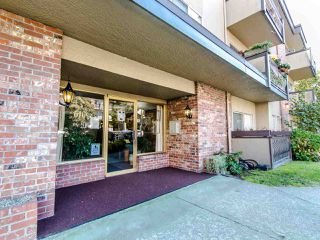 """Photo 18: 303 610 THIRD Avenue in New Westminster: Uptown NW Condo for sale in """"Jae Mar Court"""" : MLS®# R2410850"""