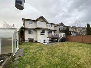 "Photo 3: 7252 145A Street in Surrey: East Newton House for sale in ""Chimney Heights"" : MLS®# R2424100"