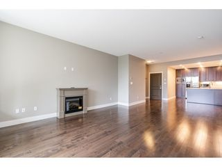 Photo 8: 402 1415 PARKWAY BOULEVARD in Coquitlam: Westwood Plateau Condo for sale : MLS®# R2416229