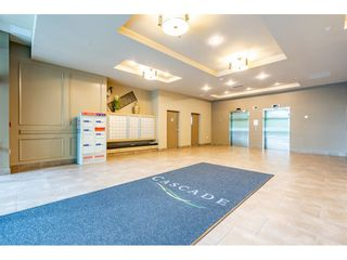 Photo 2: 402 1415 PARKWAY BOULEVARD in Coquitlam: Westwood Plateau Condo for sale : MLS®# R2416229