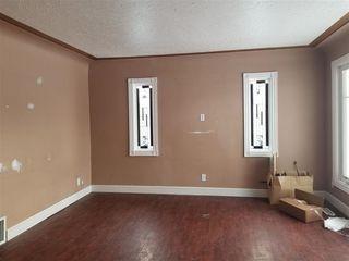 Photo 2: 11835 51 Street NW in Edmonton: Zone 06 House for sale : MLS®# E4187428