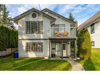 Photo 1: 32991 2ND AVENUE in Mission: Mission BC House for sale : MLS®# R2426370