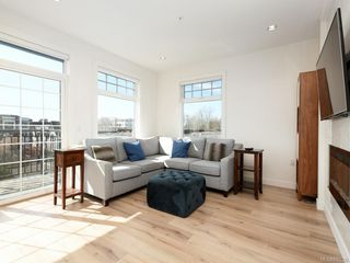 Photo 2: 404 1015 Rockland Ave in Victoria: Vi Fairfield East Condo Apartment for sale : MLS®# 837620