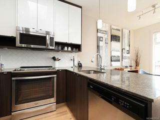 Photo 7: 404 1015 Rockland Ave in Victoria: Vi Fairfield East Condo Apartment for sale : MLS®# 837620