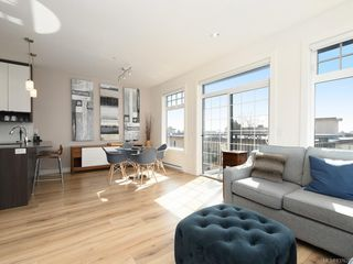 Photo 3: 404 1015 Rockland Ave in Victoria: Vi Fairfield East Condo Apartment for sale : MLS®# 837620