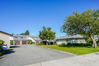 Main Photo: 105 15529 87A Avenue in Surrey: Fleetwood Tynehead Townhouse for sale : MLS®# R2492538