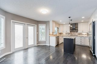 Photo 12: 215 HEAGLE Crescent in Edmonton: Zone 14 House for sale : MLS®# E4214163