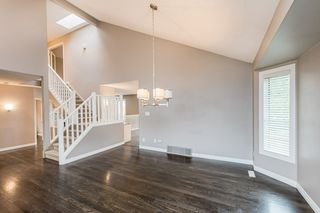 Photo 7: 215 HEAGLE Crescent in Edmonton: Zone 14 House for sale : MLS®# E4214163