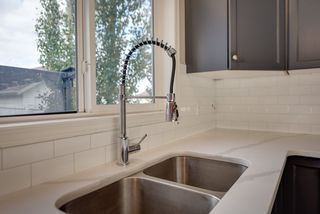 Photo 11: 3051 TRELLE Crescent in Edmonton: Zone 14 House for sale : MLS®# E4217189