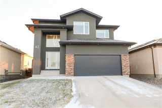 Photo 1: 42 Terry Scott Bay in Winnipeg: Bridgewood Estates Residential for sale (3J)  : MLS®# 202027736