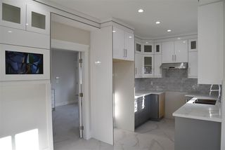 Photo 9: 5182 LORRAINE Avenue in Burnaby: Central Park BS 1/2 Duplex for sale (Burnaby South)  : MLS®# R2523607