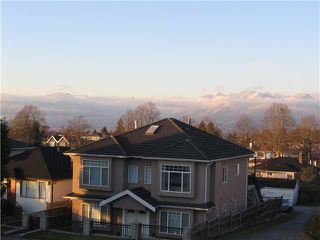 Photo 2: 3604 E 28TH Avenue in Vancouver: Renfrew Heights House for sale (Vancouver East)  : MLS®# V919786