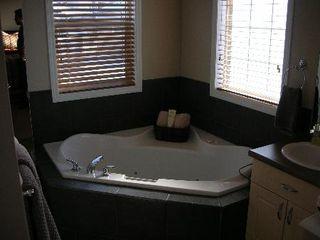 Photo 7: 4206 MCMULLEN PLACE SW: House for sale (Macewan)