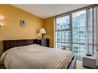 "Photo 19: 2302 1077 MARINASIDE Crescent in Vancouver: Yaletown Condo for sale in ""MARINASIDE RESORT"" (Vancouver West)  : MLS®# V1066031"