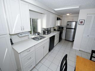 "Photo 3: 5923 WHITCOMB Place in Tsawwassen: Beach Grove House for sale in ""BEACH GROVE"" : MLS®# V1068503"