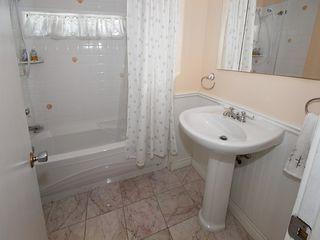 "Photo 13: 5923 WHITCOMB Place in Tsawwassen: Beach Grove House for sale in ""BEACH GROVE"" : MLS®# V1068503"